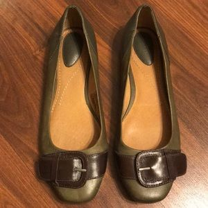Fossil leather buckle ballet flats, size 8 EUC